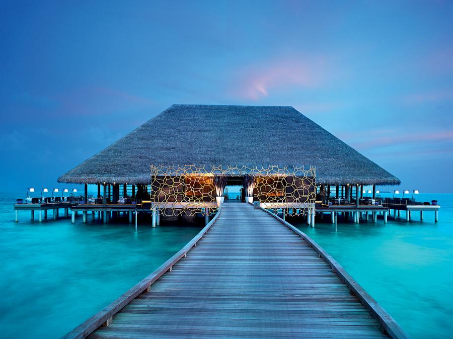 Restauracja Aragu w hotelu Velaa - Malediwy z CARTER